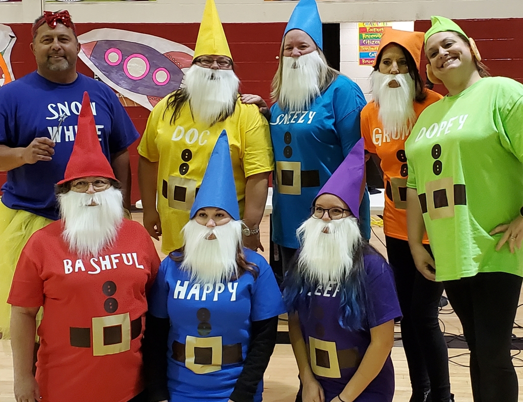 Snow White and the 7 Dwarves